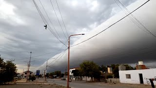 EUROPESE OMROEP OPENN Giant Cloud Rolls Through Neighborhood