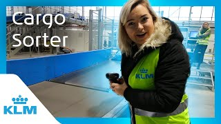 EUROPESE OMROEP | KLM Royal Dutch Airlines | KLM Intern On A Mission - Cargo Sorter | 1518426276 2018-02-12T09:04:36+00:00