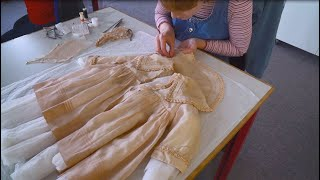 EUROPESE OMROEP | OPENN  | HM Queen Elizabeth II's baby dress undergoes conservation