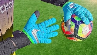 EUROPESE OMROEP | OPENN  | These Nike Goalkeeper Gloves are actually Banned by UEFA..