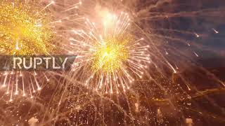 EUROPESE OMROEP | OPENN  | Russia: 3D-printed model of Soviet WWII aircraft flies through V-Day fireworks in St Petersburg