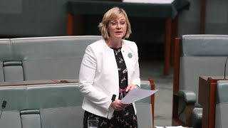 EUROPESE OMROEP | OPENN  | Zali Steggall brings 'bizarre medieval superstitions' to politics: Latham
