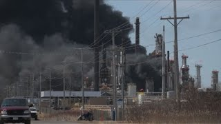EUROPESE OMROEP | AFP news agency | US oil refinery explosion causes fire | 1524777951 2018-04-26T21:25:51+00:00