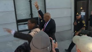 EUROPESE OMROEP | AFP news agency | Bill Cosby leaves court after being found guilty | 1524784131 2018-04-26T23:08:51+00:00
