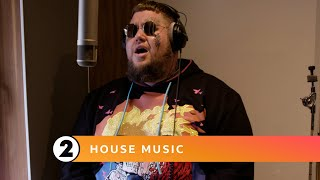 EUROPESE OMROEP | OPENN  | Anywhere Away From Here - Rag'n'Bone Man and BBC Concert Orchestra (Radio 2 House Music)