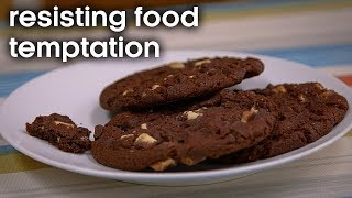EUROPESE OMROEP | BBC Earth Lab | How to Resist Food Temptations | Earth Lab | 1524214803 2018-04-20T09:00:03+00:00